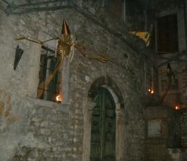 """2004 - Claudio Cantelmi - Installazione """"Strega Fat(t)a Sirena"""""""